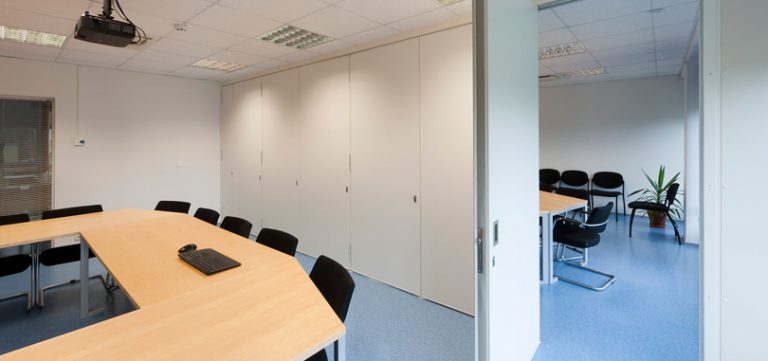 Office folding partitions - white partitions