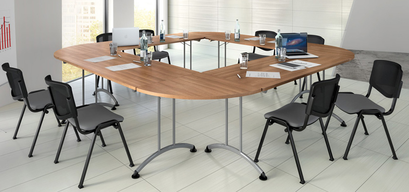 Rectangular folding table for training or meeting room