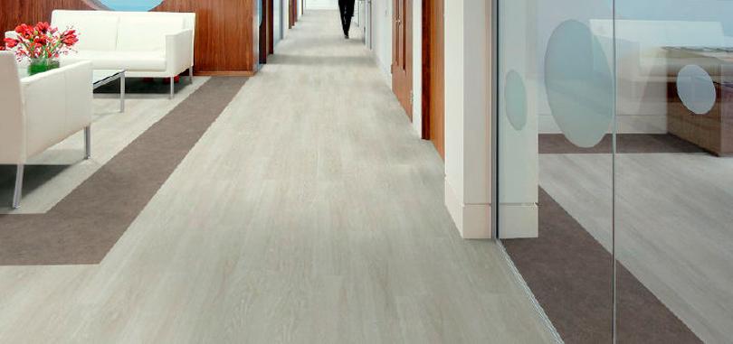 Vinyl Flooring in non-slip grey floor