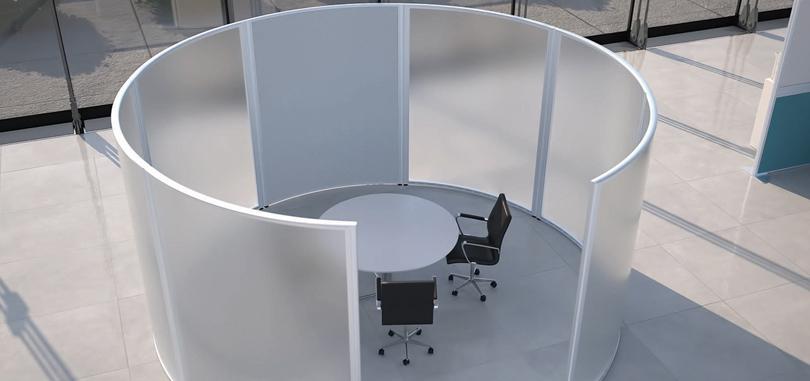 Freestanding Screens in translucent design